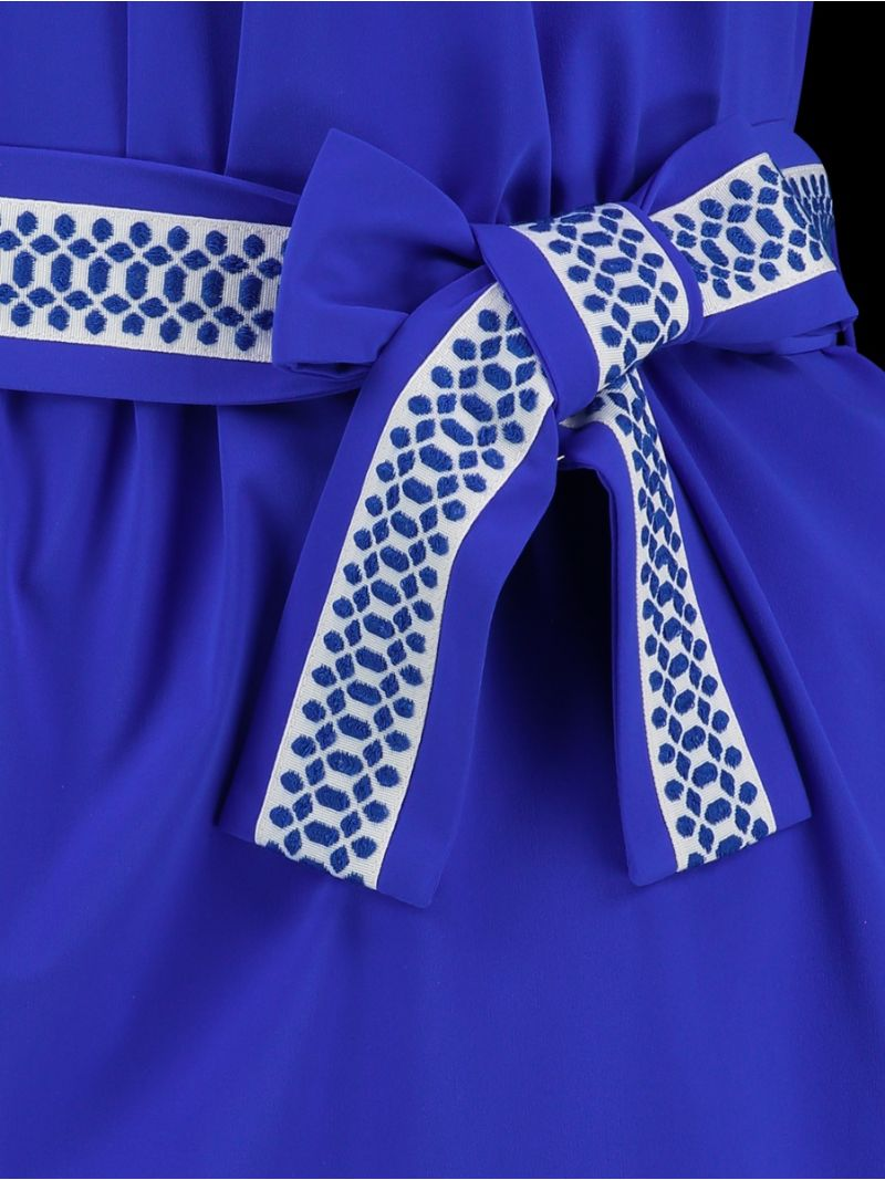Reise-Kleid mit Gürtel